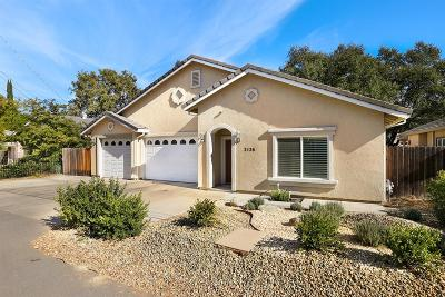 Single Family Home For Sale: 3136 Lines Lane