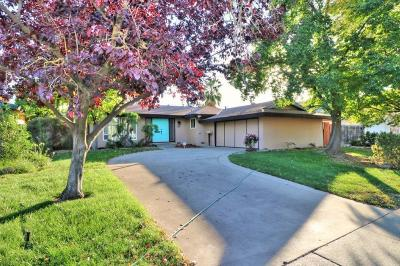 Single Family Home For Sale: 7010 Flamingo Way