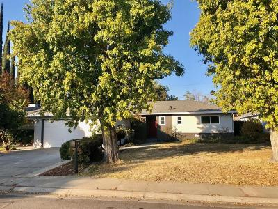 Modesto CA Single Family Home For Sale: $300,000
