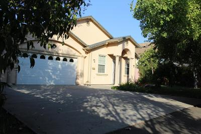Sacramento Single Family Home Pending Sale: 1429 Nogales Street