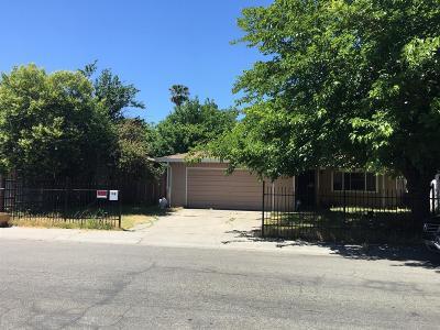 Sacramento Single Family Home For Sale: 115 Olmstead Drive