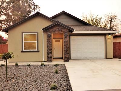 Sacramento Single Family Home For Sale: 3901 Belden Street
