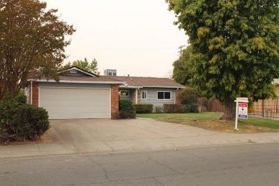 Sacramento Single Family Home For Sale: 7262 Amherst Street