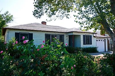 Sacramento Single Family Home For Sale: 5540 Fruitridge Road