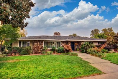 Sacramento Single Family Home For Sale: 3001 Latham Drive