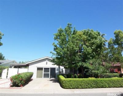 Rancho Cordova Single Family Home For Sale: 2450 El Rocco Way