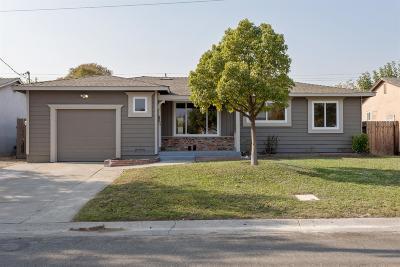 Sacramento Single Family Home For Sale: 2129 Middleberry Road