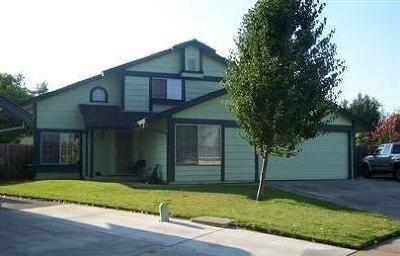 Sacramento CA Single Family Home For Sale: $260,000