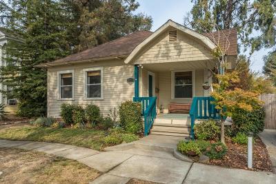 Sacramento Single Family Home For Sale: 3041 Donner Way