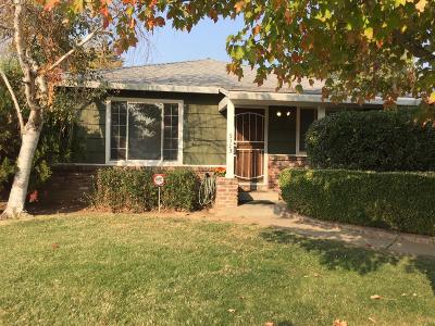 Sacramento Single Family Home For Sale: 5113 Sitton Way