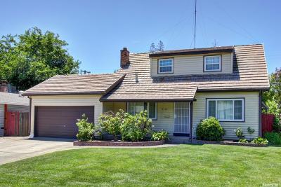 Sacramento CA Single Family Home For Sale: $310,000