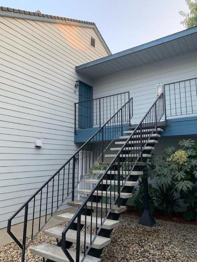 Lodi Condo For Sale: 445 Almond Drive
