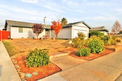 Rancho Cordova Single Family Home For Sale: 2131 Starrlyn Way