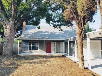 Lodi Single Family Home For Sale: 1701 Holly Drive