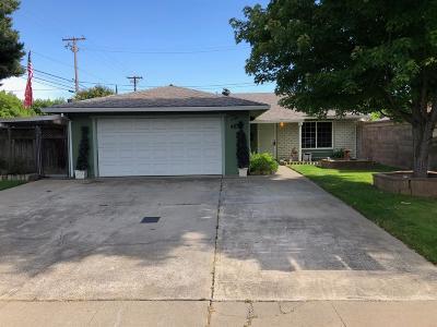 Sacramento County Single Family Home For Sale: 2711 Bridgeford Drive