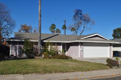 Rancho Cordova Single Family Home For Sale: 2076 Kellogg Way