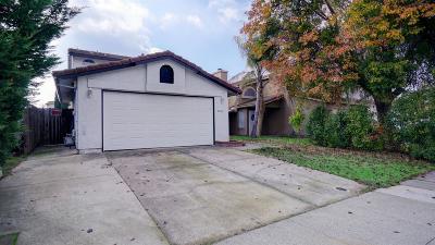 Sacramento County Single Family Home For Sale: 4916 Camino Royale Drive