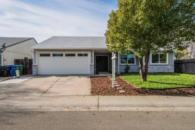 Sacramento Single Family Home For Sale: 7704 Southbreeze Drive
