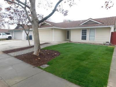Tracy Single Family Home For Sale: 445 Mahogany Lane