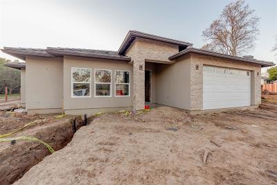Sacramento County Single Family Home For Sale: 8053 Holly Drive