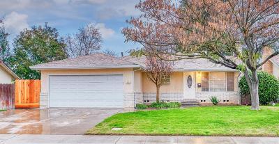San Joaquin County Single Family Home For Sale: 48 Genie Way