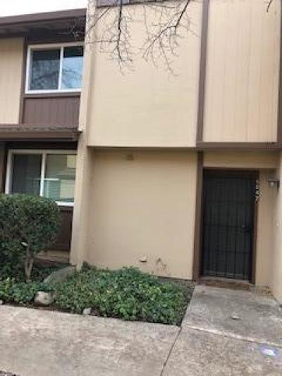 Sacramento Condo For Sale: 5042 Greenberry Drive