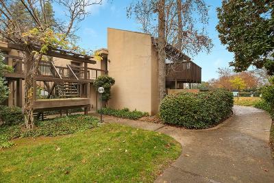 Sacramento Condo For Sale: 871 Woodside Lane