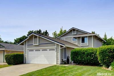Elk Grove Single Family Home For Sale: 6937 March Way