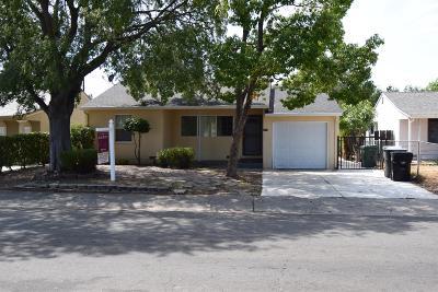 Sacramento Single Family Home For Sale: 5616 Nona Way