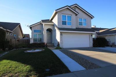 Elk Grove Single Family Home For Sale: 8674 Winterfest Court