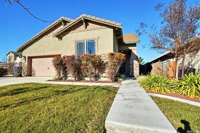 Manteca Single Family Home For Sale: 1071 Lindo Court