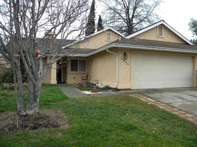 Sacramento Single Family Home For Sale: 4808 Hinchman Way