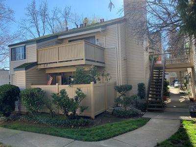 Sacramento Condo For Sale: 2280 Hurley Way