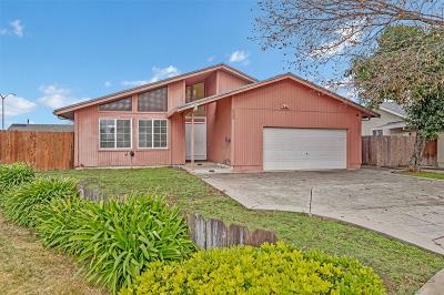 Stockton Single Family Home For Sale: 829 Cambridge Drive