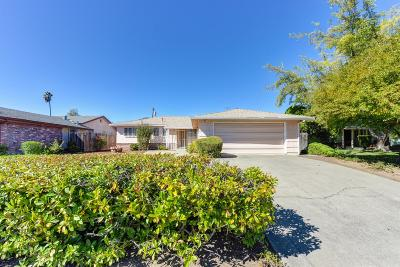 Sacramento Single Family Home For Sale: 7348 Tamosshanter Way