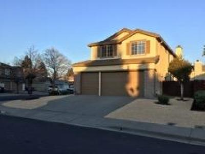 Vacaville Single Family Home For Sale: 844 Sapphire Circle