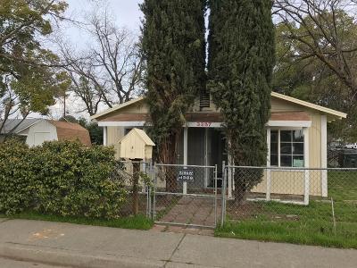 Single Family Home For Sale: 3355 Roseben Avenue