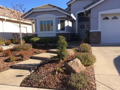 Roseville Single Family Home For Sale: 6260 Strawberry Station Loop