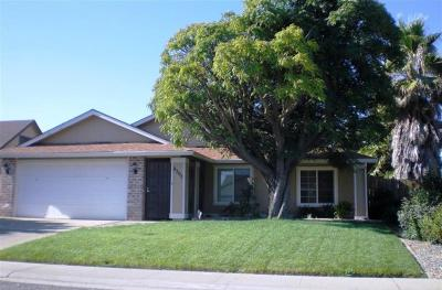 Sacramento Single Family Home For Sale: 8205 Cottonfield Way