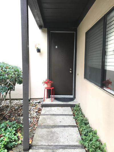 Sacramento Condo For Sale: 867 Woodside Lane E Lane