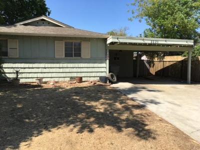 Sacramento Single Family Home For Sale: 2321 Pamela