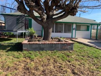 Sacramento Single Family Home For Sale: 3708 Kern Street