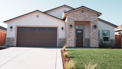 Sacramento Single Family Home For Sale: 5125 Nali Court