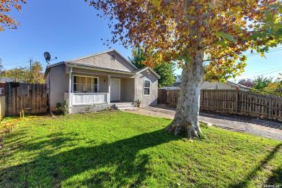 Sacramento Single Family Home For Sale: 3312 Belden Street