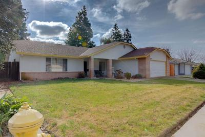 Merced Single Family Home For Sale: 882 Valparaiso Court