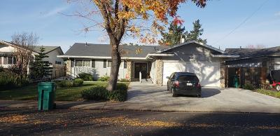 Single Family Home For Sale: 121 McKelvey Avenue