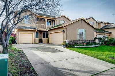 Roseville Single Family Home For Sale: 7261 Roycroft Dr