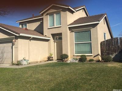 Livingston Single Family Home For Sale: 830 Cedar Lane
