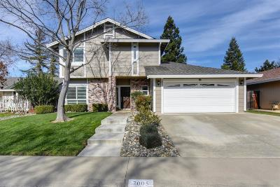 Elk Grove Single Family Home For Sale: 7005 Autumn Grove Way