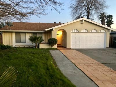 Sacramento CA Single Family Home For Sale: $339,900